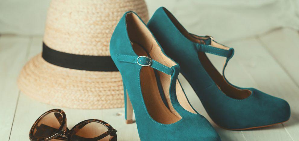 Strohhut türkise Schuhe