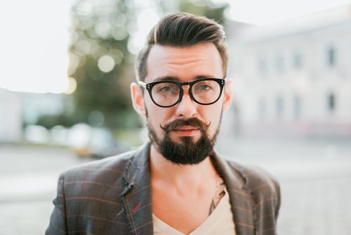 Die Geschichte der Hornbrille